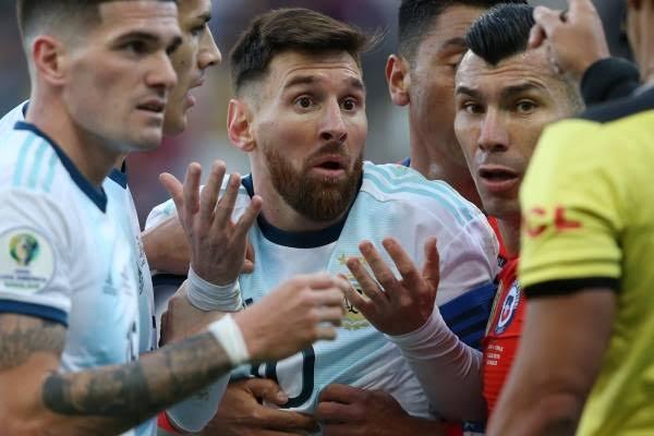 INDIGNACIÓN! Perú no habría recibido trofeo de subcampeón! Copa América arreglada?: Al parecer Messi tiene razón!
