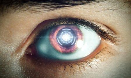 El fin de los smartphones: Se presenta prototipo de una lente de contacto inteligente.